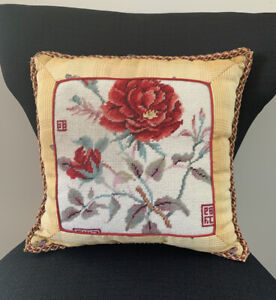 Vintage-Needlepoint-Decorative-Pillow-Floral-Roses-15x15-Plaid-Backing-W-Insert