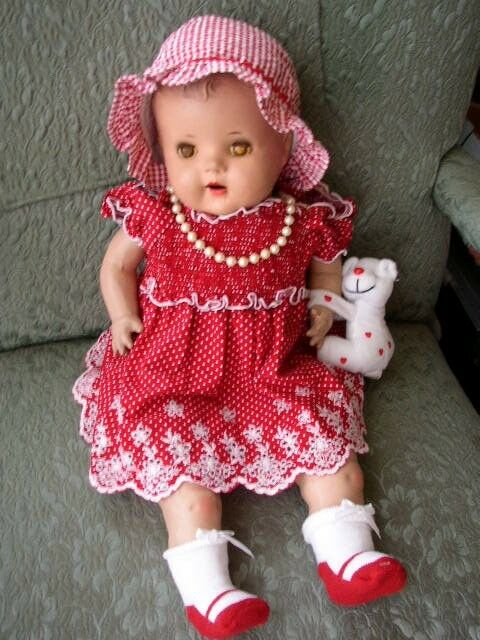 1920-30s Large 20  Composition Baby Doll in rot Dress
