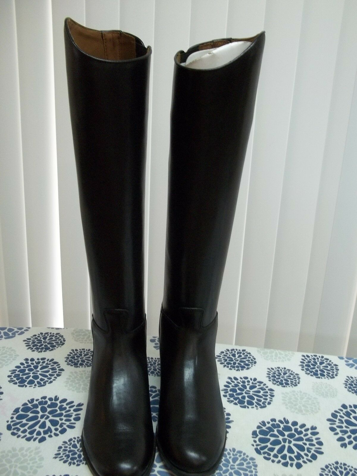 Womens Ariat Hunter Dress Boots Size 7  Height Med Calf Slim 55405 Pull On NWOT