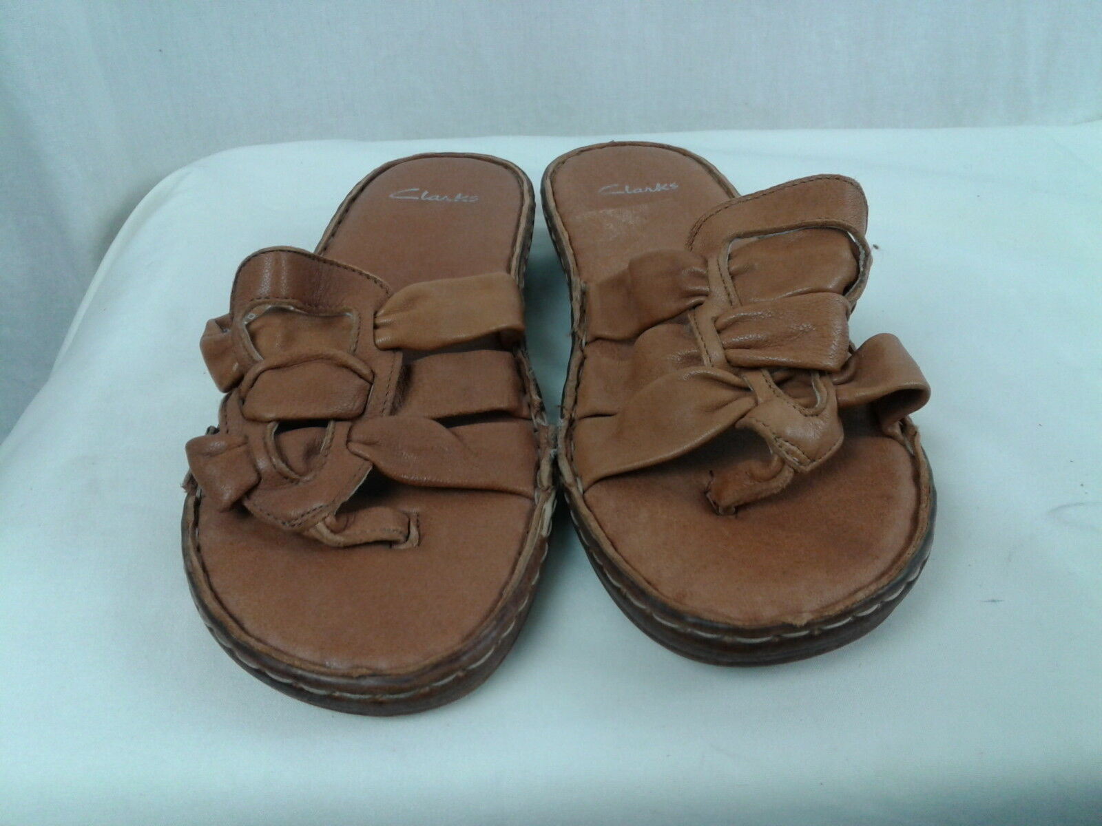 Clarks size Tan Leather Thong Sandals size Clarks 7 M 94f5c6