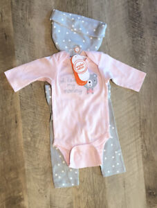 6 Newborn baby girl clothes lot 6 wonder Nation baby mittens size 0-3 months