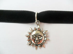Mathilda-Leon-The-Professional-Mathilda-Sun-Velvet-Choker-90s-80s-Necklace