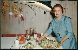 TARPON-SPRINGS-FL-Louis-Pappas-Riverside-Restaurant-Vtg-Mama-Portrait-Postcard