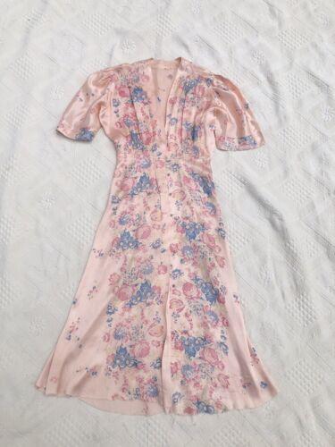 Vintage 1930s 1940s Pink Floral Rayon Peignoir Dre