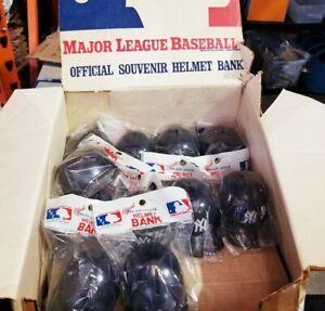 1970s-NEW-YORK-YANKEES-MLB-Baseball-Batting-Helmet-COIN-BANK-MINI-NEW