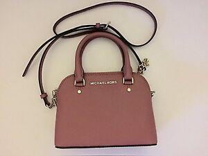 82cc6eb7e9d790 Image is loading Michael-Kors-Cindy-Mini-Crossbody-Tulip-Pink-Leather-