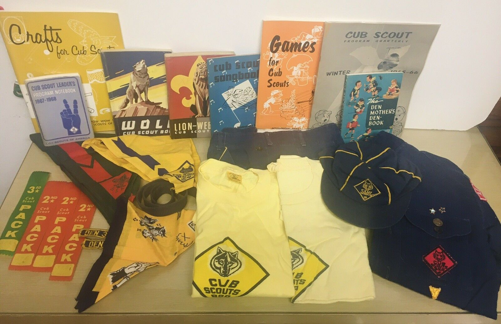 Vintage 60-70's Boy/Cub Scouts huge Lot VG to EX