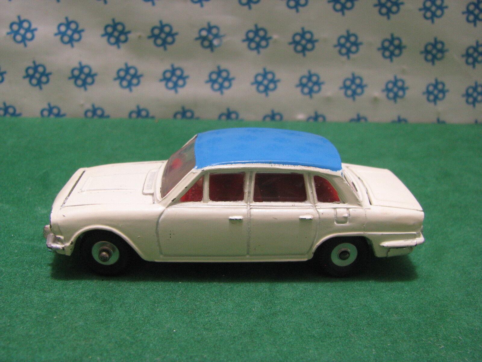 Vintage - Triumph 2000 - Dinky  Toys 135  magasin d'usine