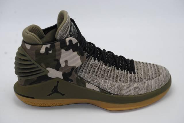 Pennino uomini nike air jordan xxxii 32 pe veterans day aa1253-200 scarpe da basket