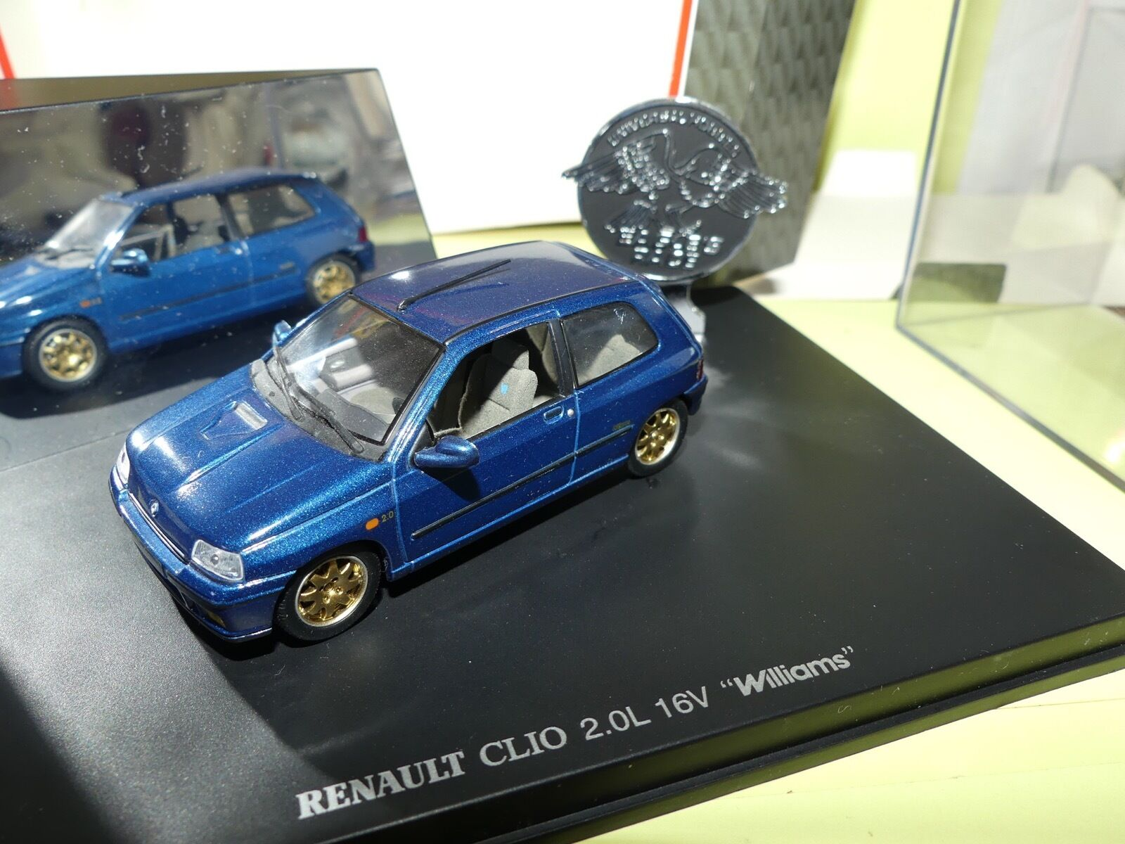 RENAULT CLIO 2.0L 16V WILLIAMS UNIVERSAL HOBBIES 1 43