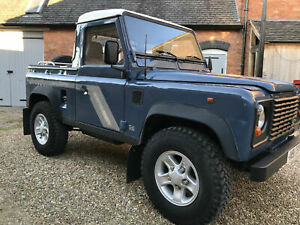 Land-Rover-90-Defender-300tdi-Truck-Cap-Pick-Up