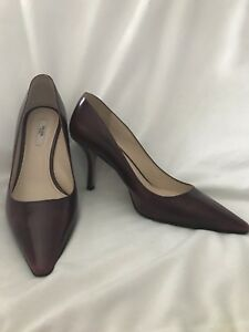 cc8fe813d5d4 Image is loading PRADA-Pointed-Toe-Pumps-leather-Bordeaux