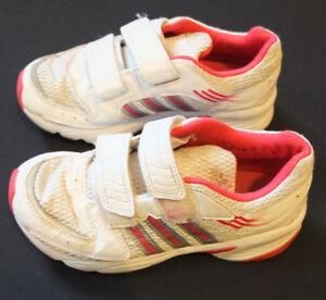 Details zu adidas Hallen Turn Schuhe EU 31 TOP Non marking Sohle Klett