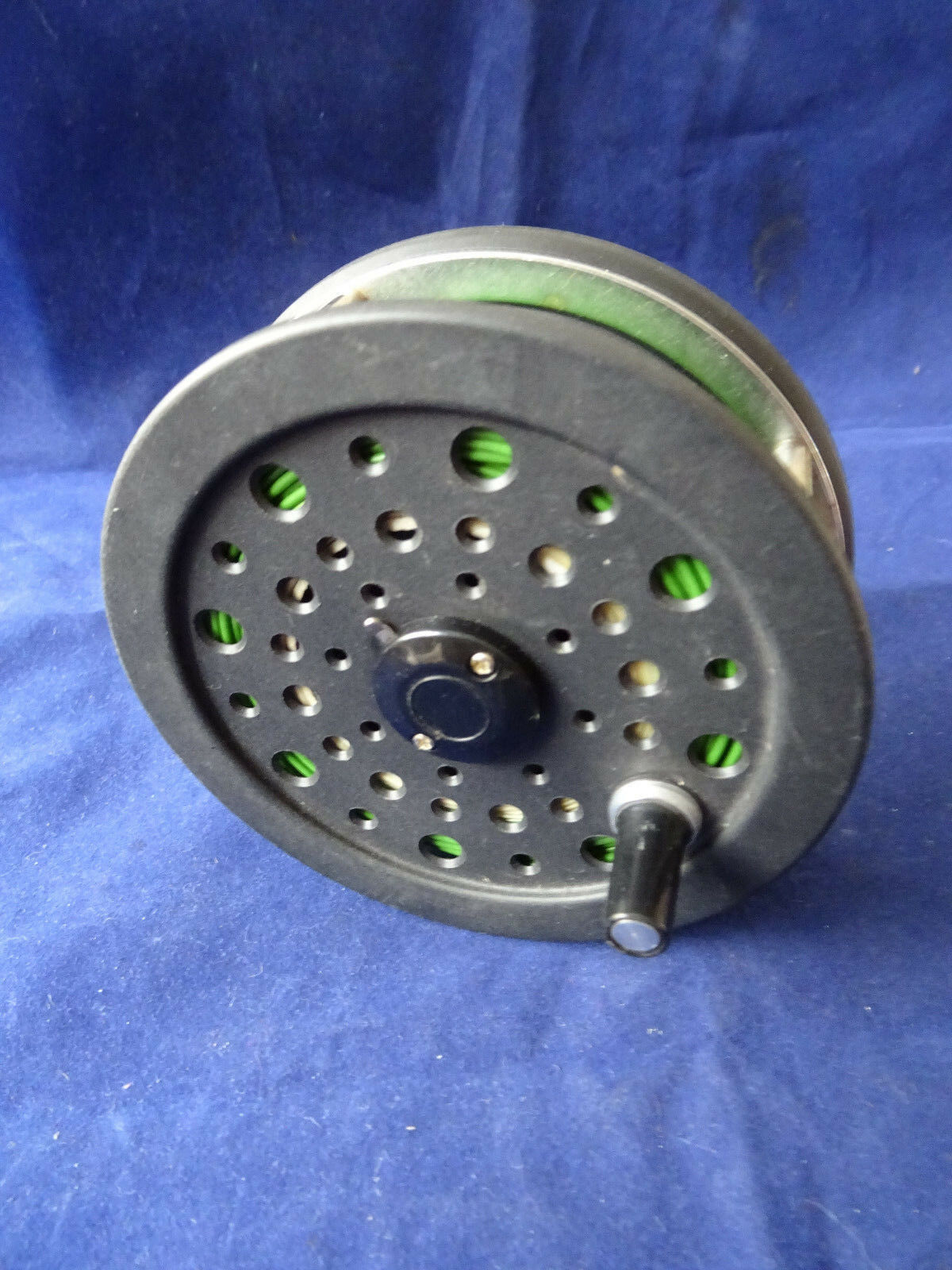 A GOOD VINTAGE 4 1 8  SHAKESPEARE GRAPHLITE 2756 TROUT SALMON FLY REEL + LINE