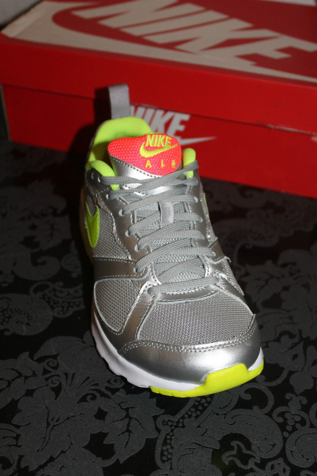 Nike Air Schuhe Max Muse Damen Running Schuhe Air Silber Gelb alle Größen Neu mit Karton 6b1958