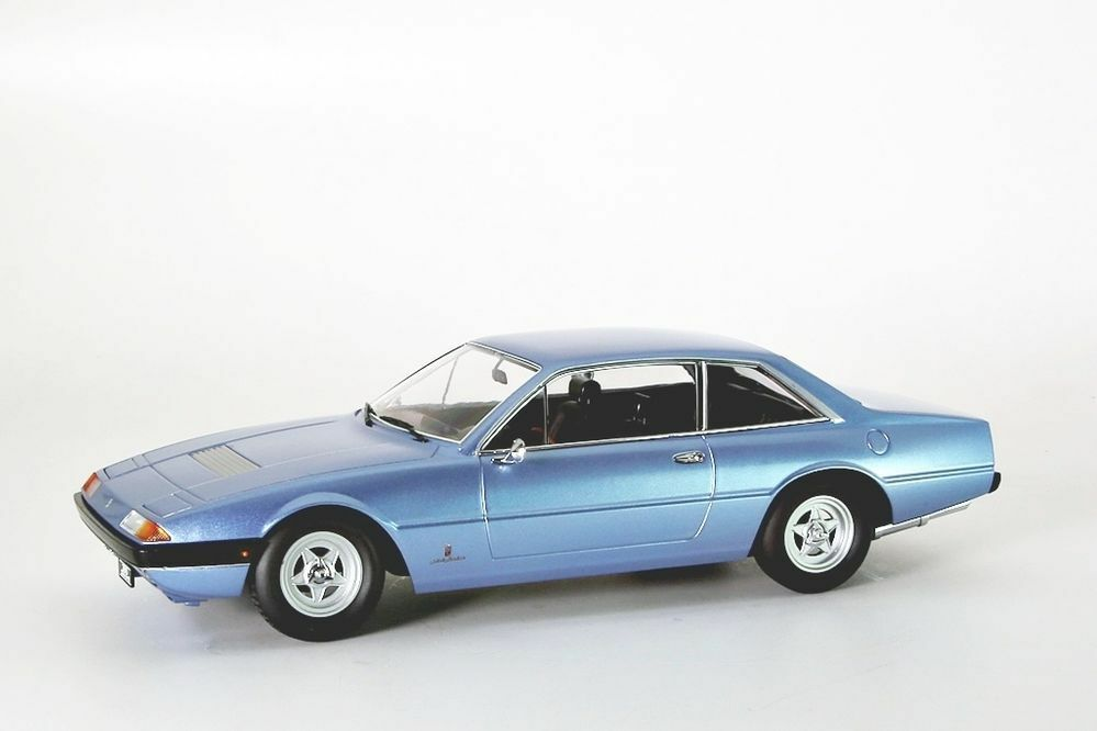 Ferrari 365 GT4 2+2, 1972 hellblue Metallic KK-Scale 1 18 NEU OVP