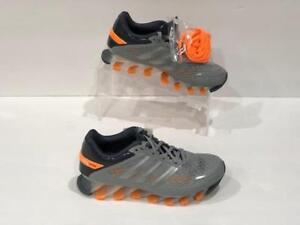 online retailer bdd2b 579d0 A imagem está carregando Adidas-Springblade-Razor-J-M21920-Cinza-laranja