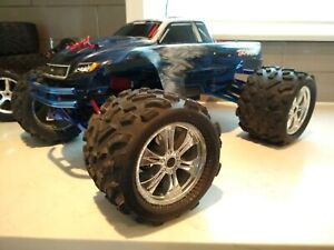 Traxxas-Revo-3-3-RC-w-Upgraded-Tires-RTR-w-charger-batteries-CLEAN-INTEGY