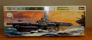103/ VINTAGE HASEGAWA Ship US AIRCRAFT CARRRIER ESSEX MODEL~ 1/700 ~ unbuilt