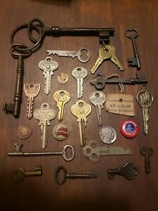 FREE Shipping in the USA! Lot of 47 Vintage Brass Keys