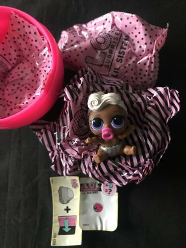 LOL Little Outrageous Doll Surprise Ball Series 3 Lil Funky Q.T QT Sisters Open