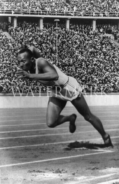 Jesse Owens Sprinting Team USA 8x10 Press Photo US Olympians