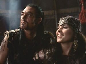marton csokas And lucy lawless Smiling 8x10 Picture Celebrity Print
