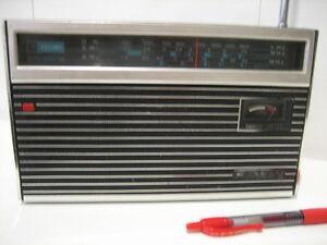 radio transistor SONY model TR 947