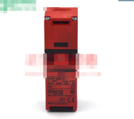 1PC  new Schneider   XCS-PA791 XCSPA791