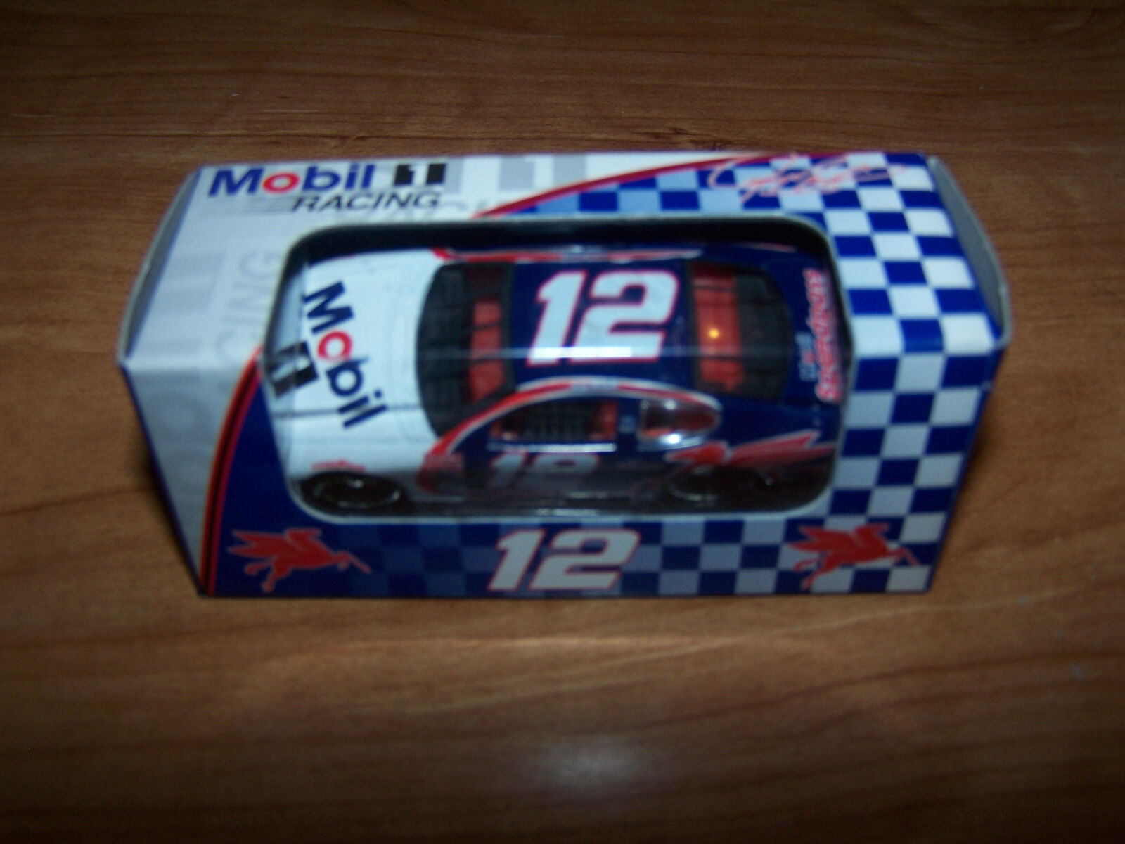 Team Caliber Mobil1 2000 Ford Taurus 1 64 Diecast Car