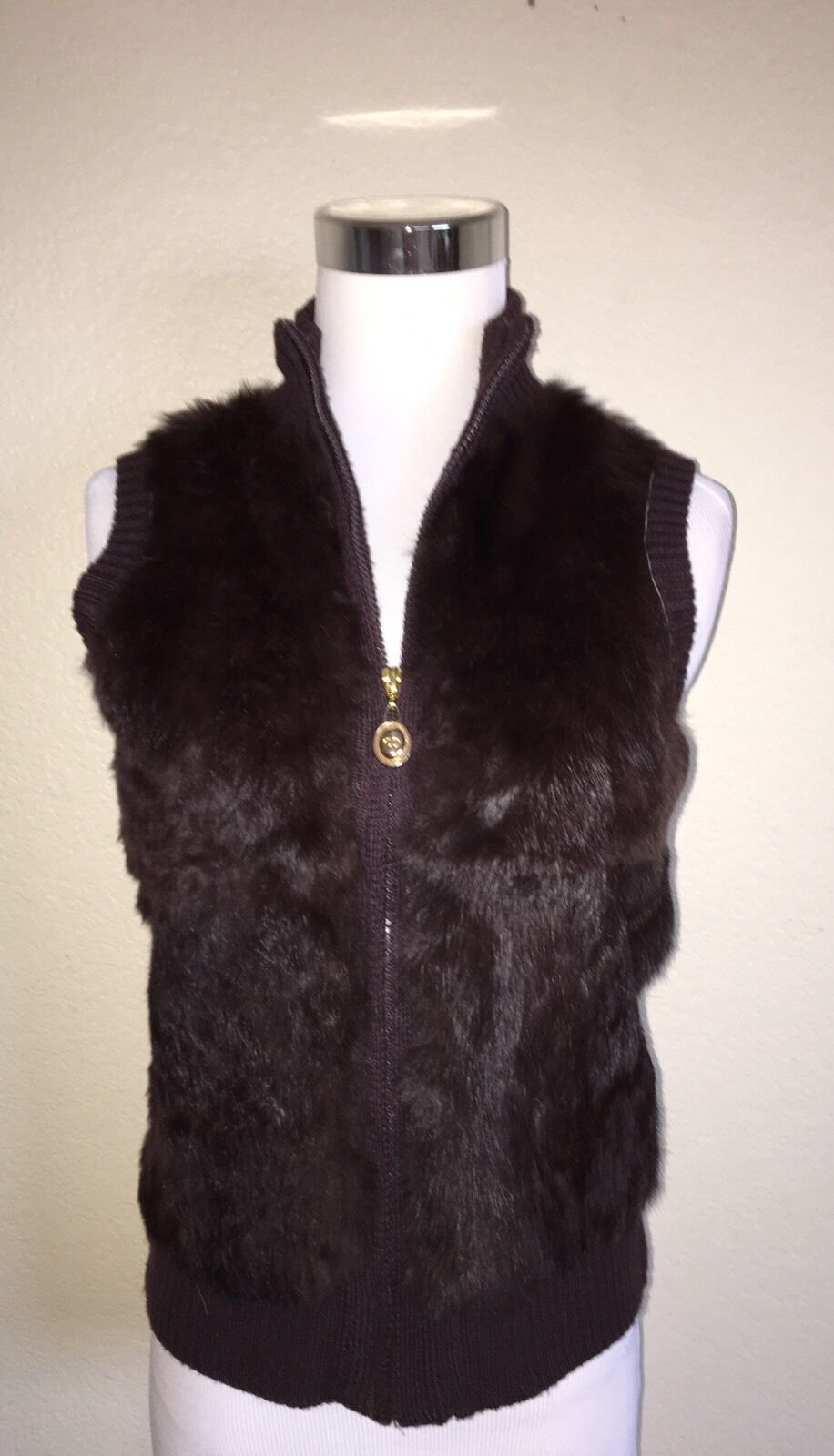 CHRISTIAN DIOR VINTAGE FUR VEST W  gold TONE LOGO ZIP PULL WOMAN SIZE SMALL