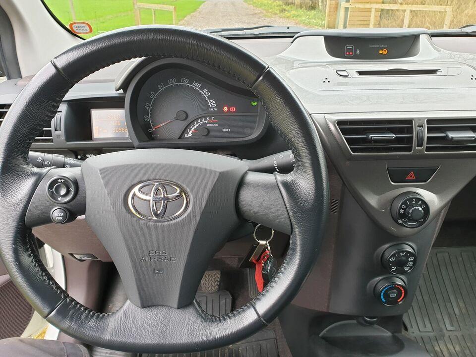 Toyota iQ, 1,0 VVT-i Q1, Benzin
