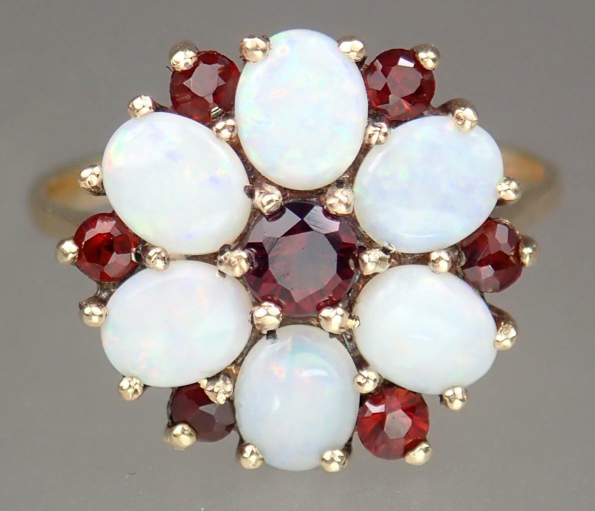 Beautiful Vintage Estate 9K Gold 1.1ct Opal Garne… - image 1