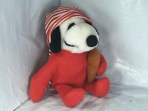 Rare-Peanuts-Snoopy-Plush-Stuffed-w-Red-Pajamas-amp-Striped-Cap-amp-Teddy-Bear-11-034