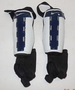 "Nike Youth Soccer Shin Guards Size Large 4'7""-4'11"" Blue White"