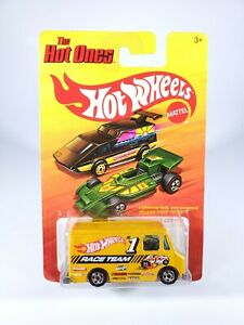 HOT-WHEELS-THE-HOT-ONES-COMBAT-MEDIC-HW-RACE-TEAM-NEW-NOC-WITH-PROTECTO-PAK