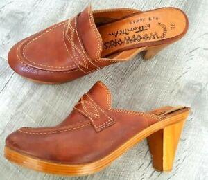 a1ad43fecebed Details about Vintage 70s Thom McAn Clog Mules Heels Shoes Size 7 Brown  Leather Slides BOHO