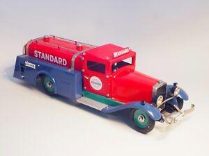 MARKLIN-1993-Standard-Oil-Truck-wind-up-clockwork-Large-model-All-in-Metal