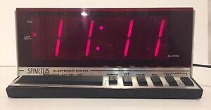 Vintage Retro Spartus Electronic Digital Alarm Clock Model 1150 Works Great!