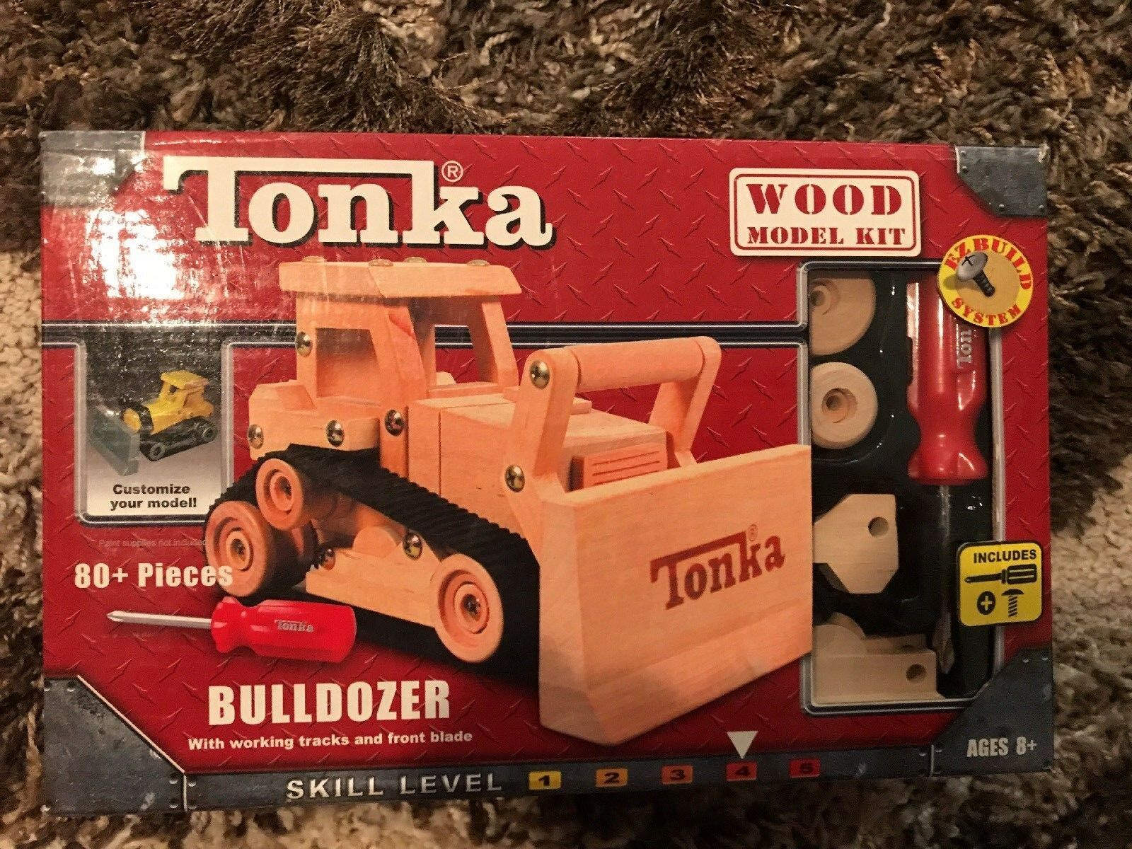 TONKA Bois Bulldozer Model Kit new in box 2004