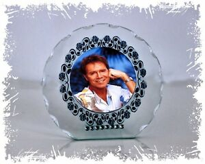 Cliff-Richard-Diamante-Round-Plaque-gift-Any-Occasion-perfect-Memorabilia-7
