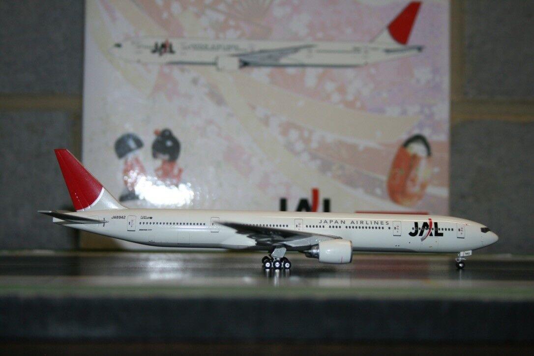 Phoenix 1 400 JAL Japan Airlines Boeing 777-300 JA8942 (PH10573) Die-Cast Model