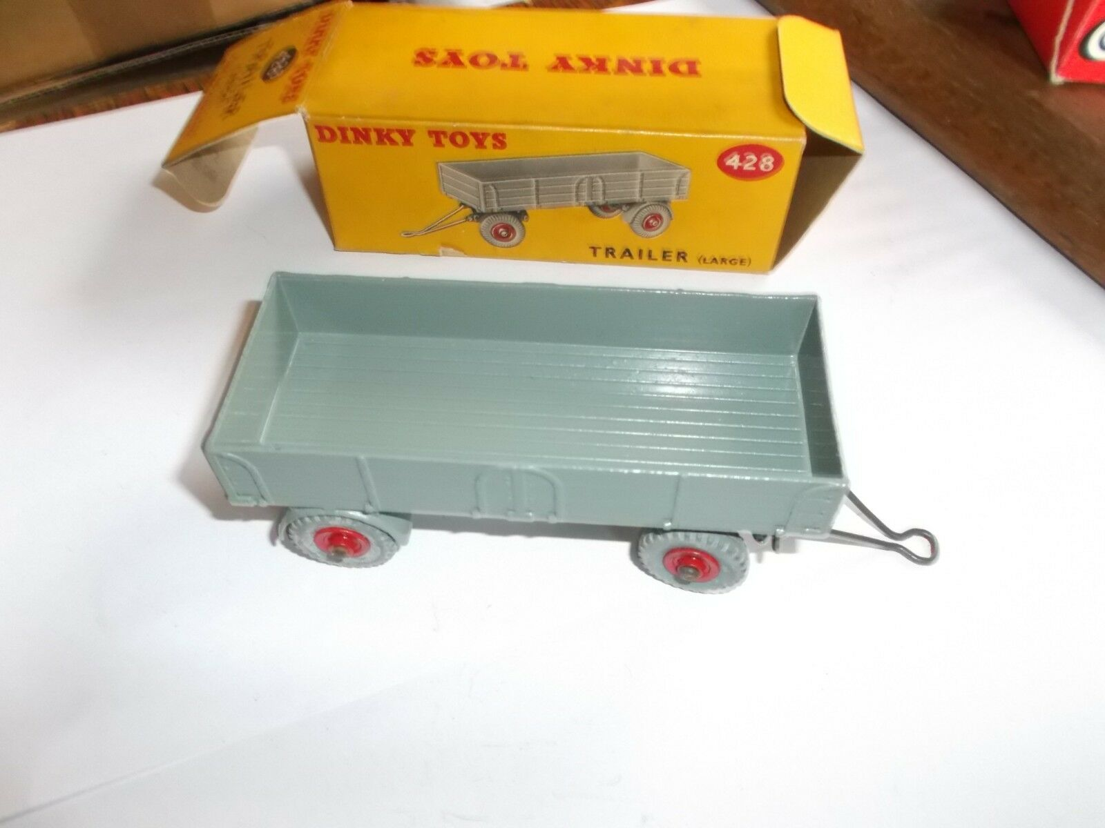 DINKY TOYS MODEL No.428 TRAILER   Boxed In Very Good Condition