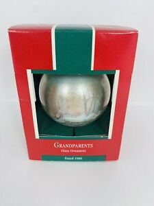 HALLMARK-Keepsake-1989-GRANDPARENTS-Glass-Ball-CHRISTMAS-ORNAMENT-Home-Heart