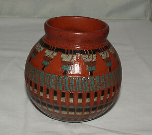 Medium-Pot-with-Terra-Cotta-Neck-by-Elaine-Begay-Navajo