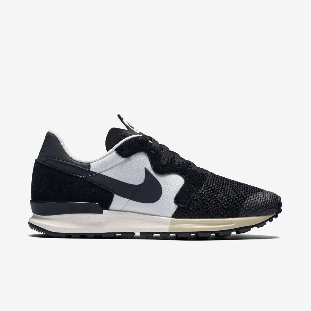 NEW Nike Air Black White Berwuda Running Tennis shoes Sneaker Size 7.5 555305-003