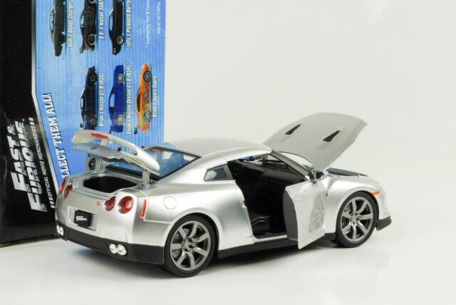 2009 brian's Nissan GT-R r35 fast and & Furious Silver plata 1:24 jada