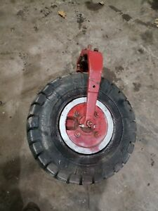 Farmall-F12-F14-Single-Front-Wheel-Narrow-Front-IHC-tractor-part-one-wheel-front