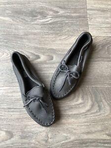 Moosehide Classic Moccasins Black Size