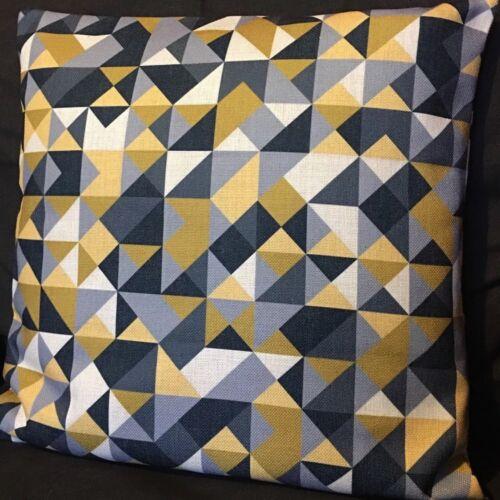 """De nuevo en Stock cubierta Cojín Geométrico Triángulos Gris 18/"""" 45cm amarillo mostaza"""